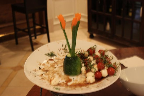 Renaissance Charleston Historic District Hotel: Afternoon appetizers