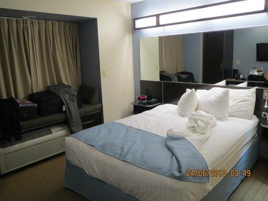 Microtel Inn & Suites by Wyndham Bath : Værelse