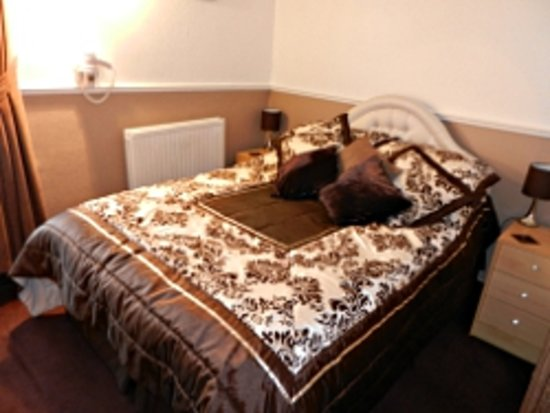 Twycross Guest House: the Chocolate room