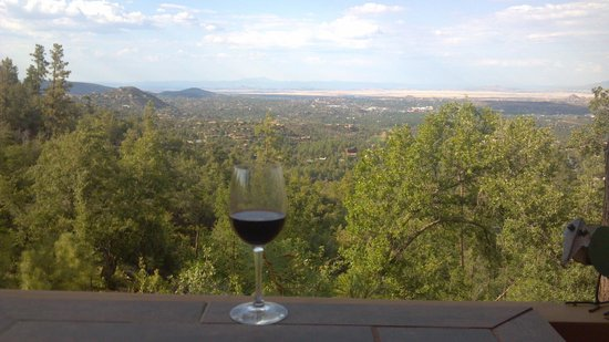 Whispering Pines Bed and Breakfast: Happy Hour View