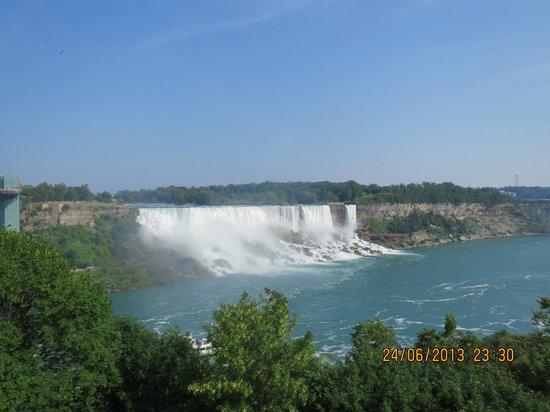 Travelodge Niagara Falls at the Falls: Udsigt tæt på hotellet