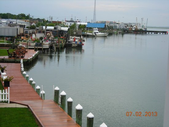 Comfort Suites Chincoteague: view off balcony along Main Street docks