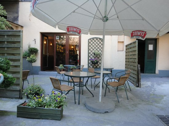 This is Tournet's shady courtyard, where I relaxed in the afternoons.