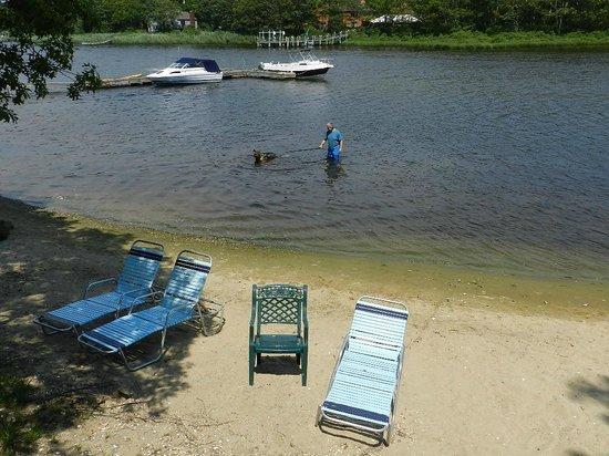 Green Harbor Waterfront Lodging: sandy beachfront