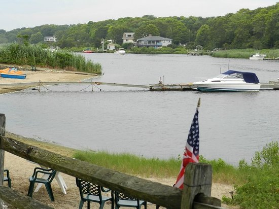 Green Harbor Waterfront Lodging: serene views and dock