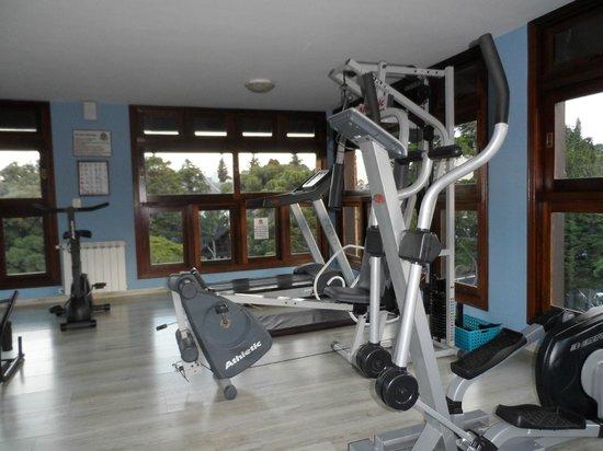 Hotel Recanto da Serra: Vista parcial da mini academia