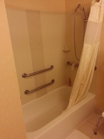 Baymont Inn & Suites Pensacola: Really Dirty