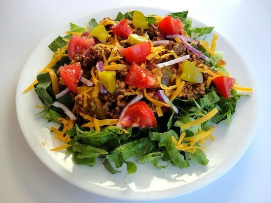 Campfire Grille: Deluxe Cheeseburger Salad