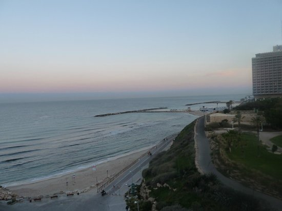 Carlton Tel Aviv: Sea view from room