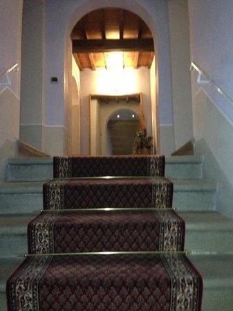Dimora Casa Eugenia: la bella scala che porta alle camere. Zlatan2005