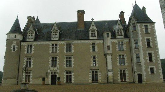 Château de Montpoupon : Facciata del castello