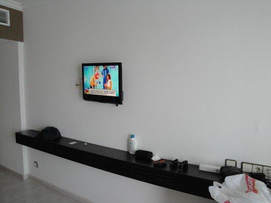 Hotel Cala Galdana & Villas d'Aljandar: TV NO SE VE LA SEXTA!!