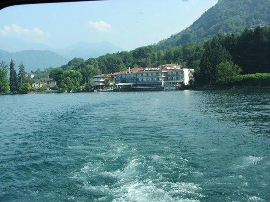 Hotel Ristorante Giardinetto: Hotel from tje lake
