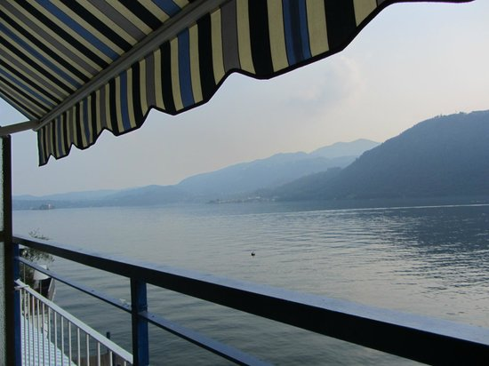 Hotel Ristorante Giardinetto: View of the Lake from the Balcony