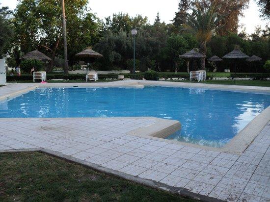 Jardin de nuit picture of seabel alhambra beach golf for Piscine enfant