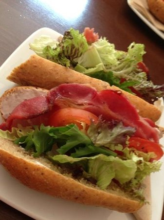 Java Coffee House: BLT on brown - nothing better than that!