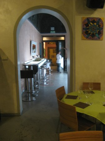 Ristorante Santopalato : Vue sur l'entrée et son endroit pour de super apéros.