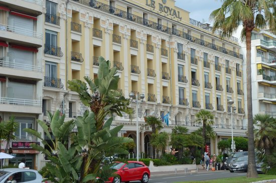 Hotel Le Royal: The hotel