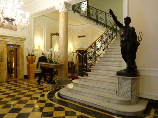 Baglioni Hotel Regina: Beautiful Lobby