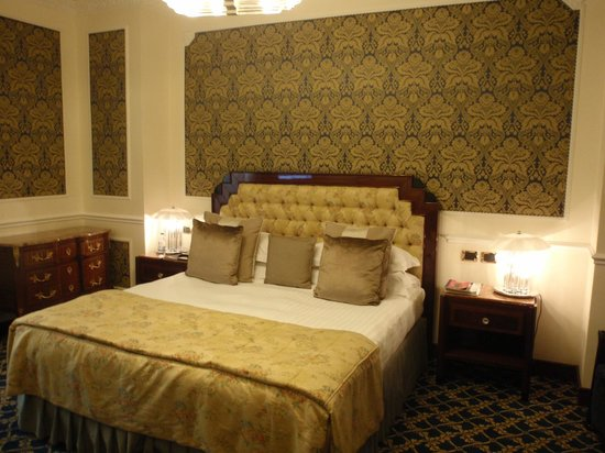 Baglioni Hotel Regina : Bedroom