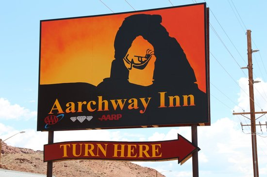 ‪‪Aarchway Inn‬: Cool Sign‬