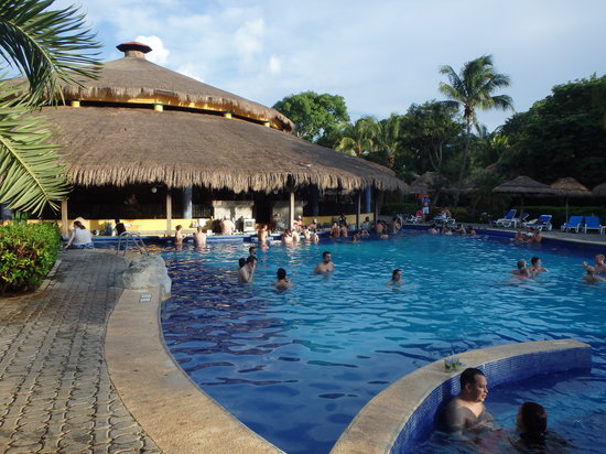 Hotel Riu Tequila: pool bar