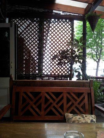 The Lodge Tavern: outside