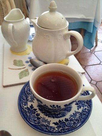 Cricket Field House: Gotta have my tea!