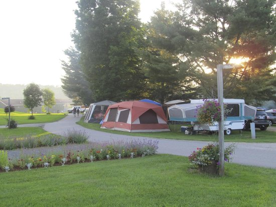 The Lantern Resort Motel and Campground: Beginning of sunset 4th of July weekend - WOW!!