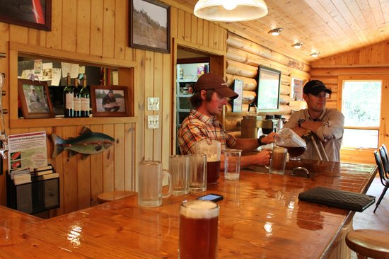 Alaska Fishing Lodge - Wilderness Place Lodge: Host Noah serving up some brews