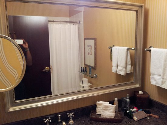 The Alise Chicago - A Staypineapple Hotel: Very clean