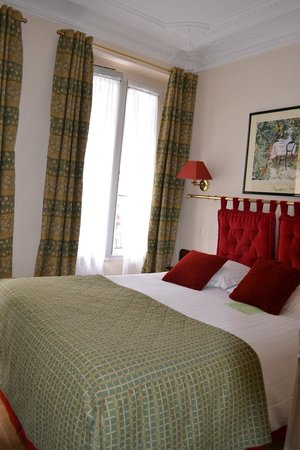 New Orient Hotel: Very classy room