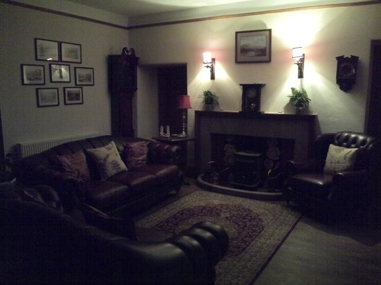 The Hollow: Lounge area