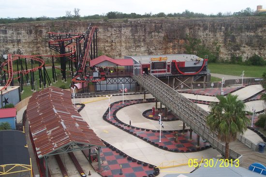 Boardwalk picture of six flags fiesta texas san antonio for 13th floor studios san antonio