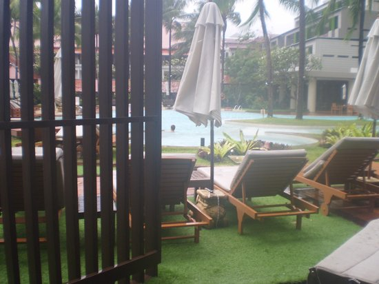 Patong Beach Hotel: view from room