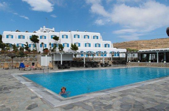 Yiannaki Hotel: hotel Yiannaki vue de la piscine