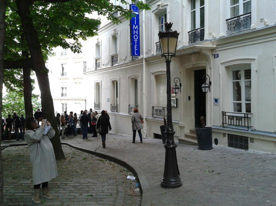 Timhotel Montmartre: Acceso Hotel