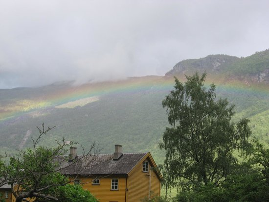 Flam Camping and Youth Hostel : rainbow in Flam