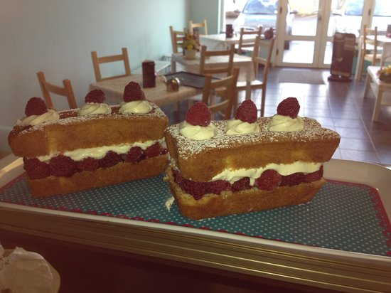 The Mixing Bowl: Fresh cream raspberry cakes to take home...