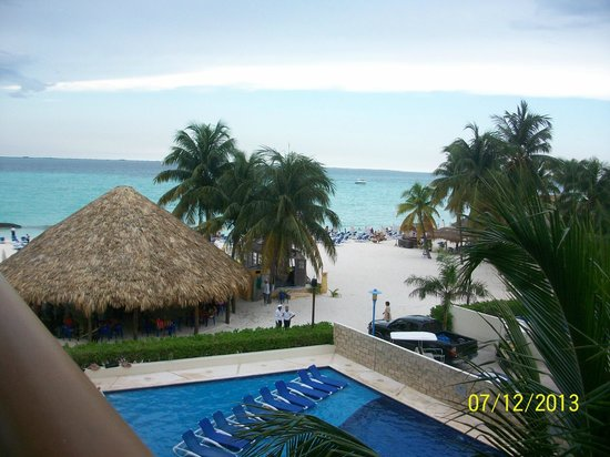Ixchel Beach Hotel: View from our balcony
