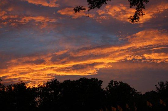 Harpers Ferry KOA: Yet another evening sky ..