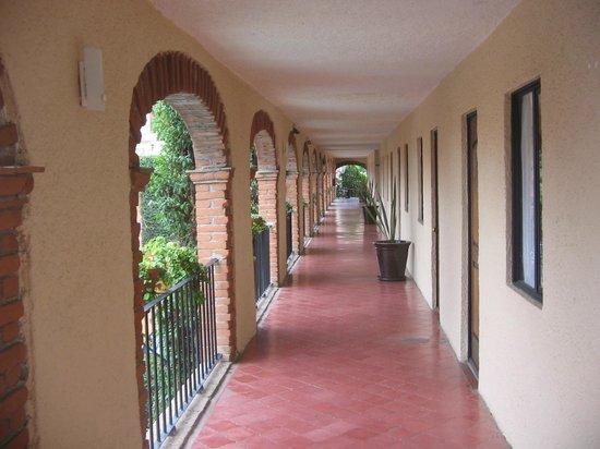 Hotel La Abadia Plaza : Pasillo con las habitaciones