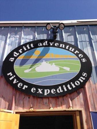 Adrift Adventures Dinosaur National Monument: Een onderschrift toevoegen