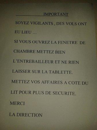 hotelF1 Avignon nord : Un mot sur la table qui en dit long