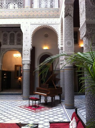 رياض فيس: Courtyard lobby Riad Fes