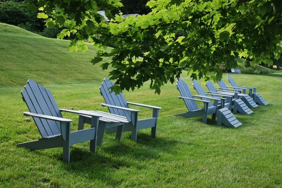 E.B. Morgan House: Adirondack chairs are waiting for you!