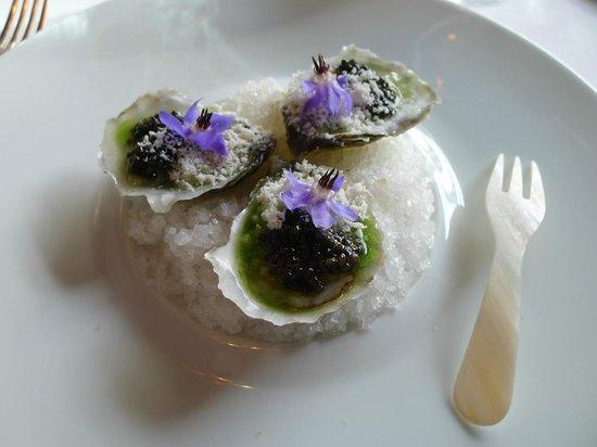 Caviar Russe : Spring Creek Oyster: Cucumber, Crème Fraiche, Classic Osetra