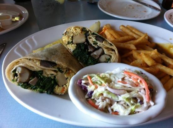 Bella Vida Garden Cafe: Veggie Wrap