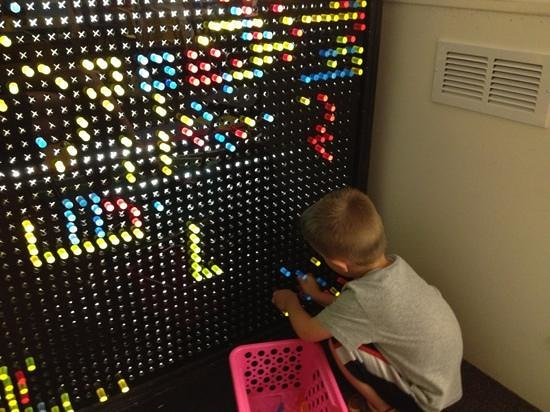 The Sandbox Interactive Childrenu0027s Museum: Giant Light Bright!