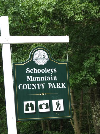 Schooleys Mountain County Park